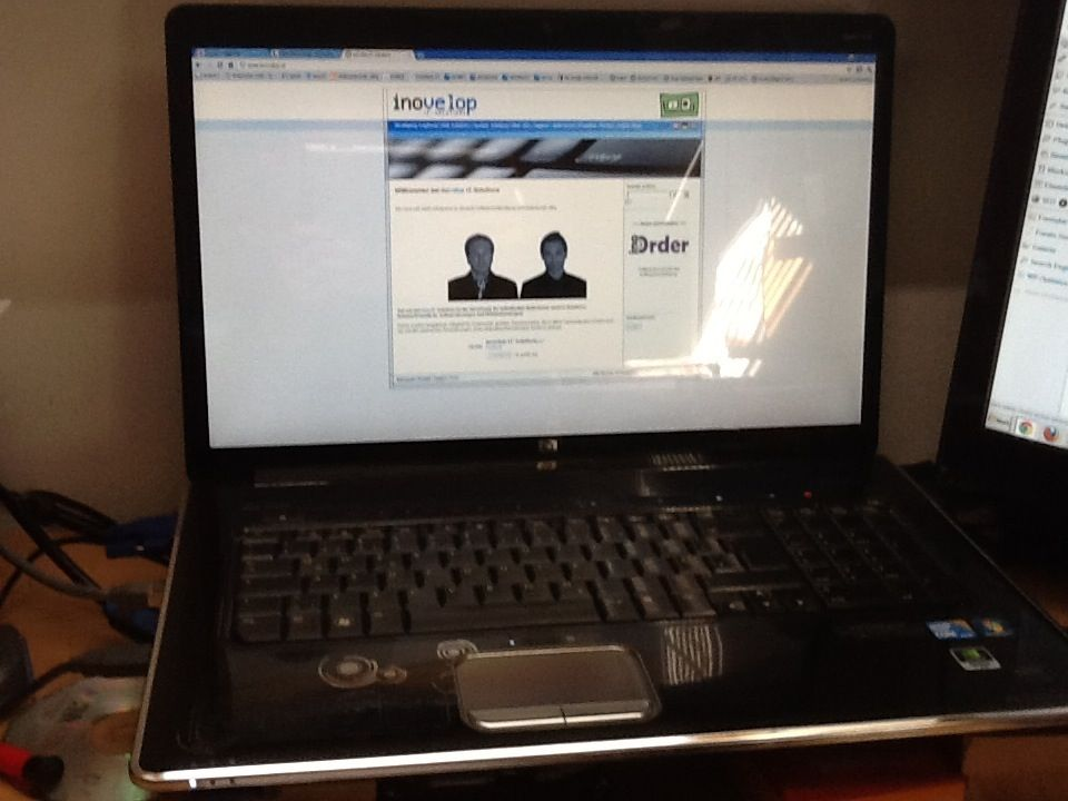 HP DV8 1220eg (1)